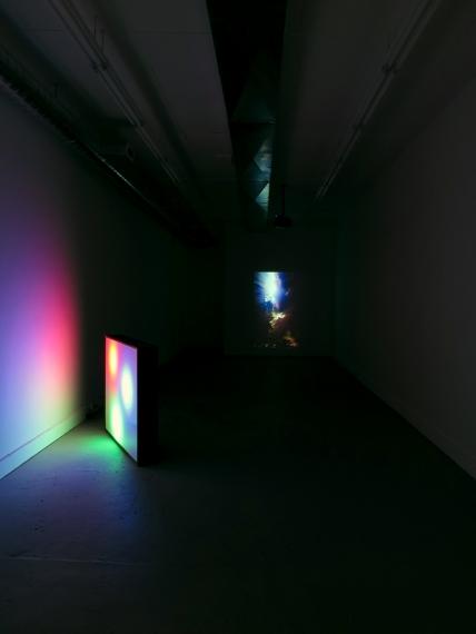 http://mirunadragan.com/files/gimgs/th-28_GGallery_Lightbox&Video_site.jpg